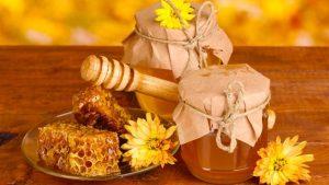 فوائد اكل العسل على الريق