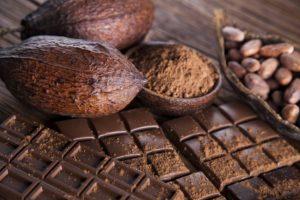 فوائد و اضرار اكل الشوكولاته على الريق
