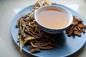 فوائد القسط الهندي مع العسل على الريق