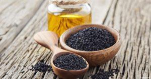 فوائد و اضرار زيت حبة البركة مع العسل على الريق